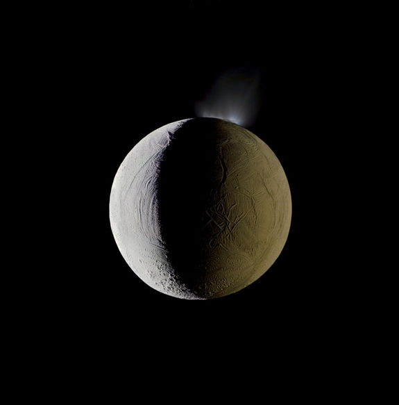 Enceladus  (Quelle: NASA, picture of  the day)